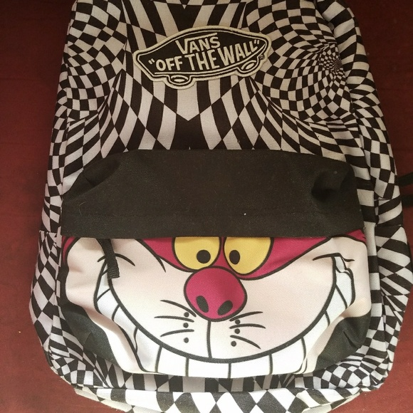 35c90deb642 VANS Disney Cheshire Cat backpack. M 5a6eda663a112e53b4256763